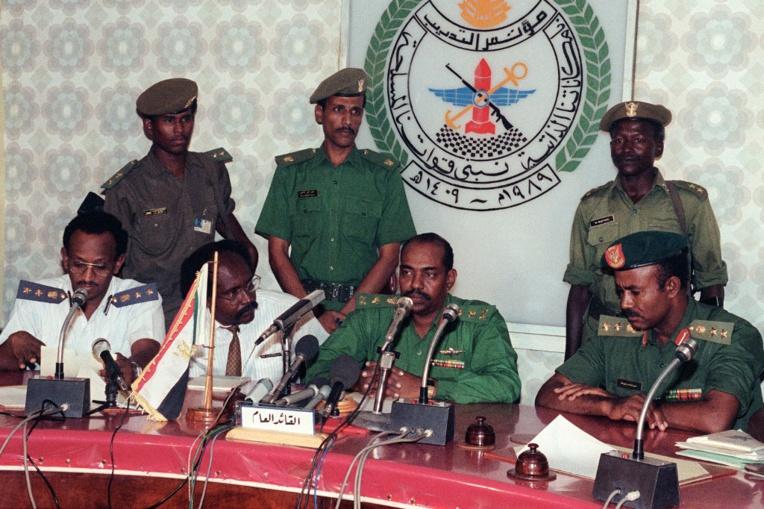 Soudan: l'armée renverse Béchir après des semaines de contestation