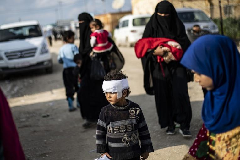 Retrouvailles d'une grand-mère australienne et ses petits-enfants au camp d'Al-Hol en Syrie