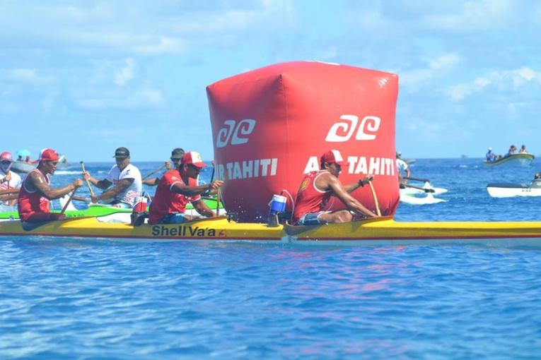 Avec un trio composé de Narai Atger, de Charles Teinauri et de David Tepeva l'équipage de Shell Va'a B n'a laissé que des miettes à la concurrence sur le lagon de Rangiroa. (© CJSC Rangiroa)