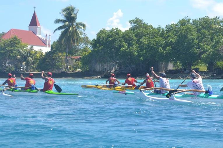 Les bateaux suiveurs ont eu droit à de beaux affrontements sur le plan d'eau de Rangiroa. (© CJSC Rangiroa)