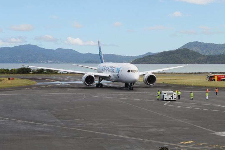 Trafic aérien suspendu et écoles fermées mercredi à Mayotte, en raison du passage d'une tempête tropicale