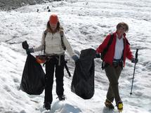 Trois tonnes de déchets ramassés sur la Mer de Glace à Chamonix