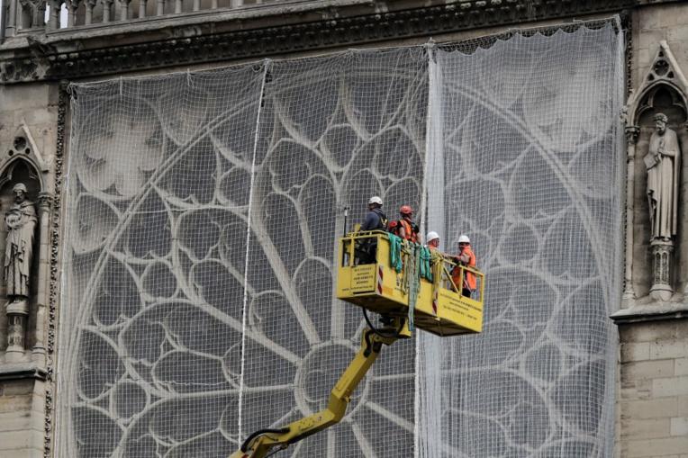 Restauration de Notre-Dame: Bern et Lang inquiets des dérogations prévues par un projet de loi