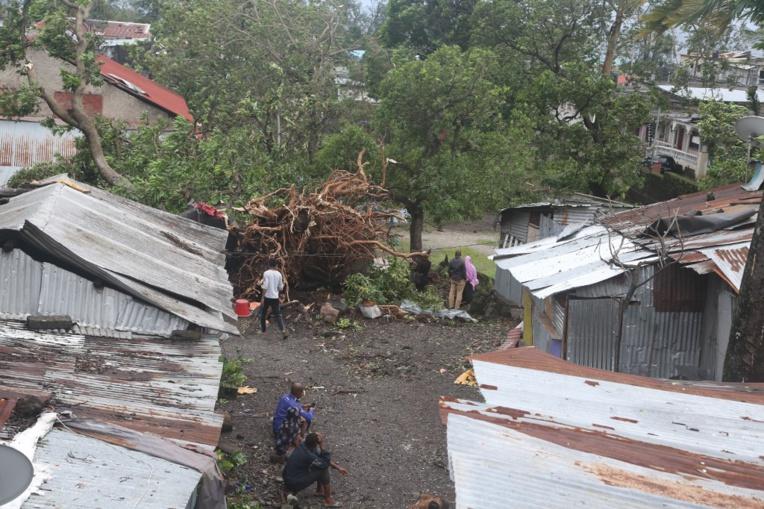 Kenneth est passé mercredi soir au large du petit archipel des Comores, où il a fait au moins trois morts.