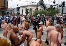 Les nudistes de San Francisco vont devoir surveiller leurs arrières