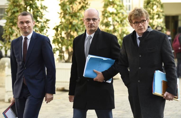 Le gouvernement réuni pour orchestrer les annonces de Macron