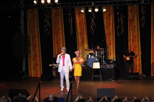 Gabilou et Moeata en tournée dans les Raromatai