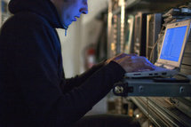 Piratage: l'agence de cyberdéfense rappelle à l'ordre les entreprises