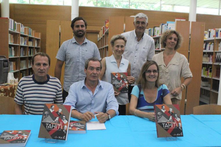 Le livre a été rédigé par un collectif d'auteurs sous la direction d'Éric Conte.