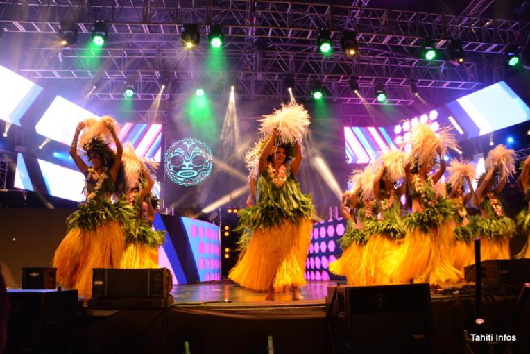 La soirée 'Ārearea a proposé des danses locales, des groupes musicaux locaux, des humoristes… Et des miss!