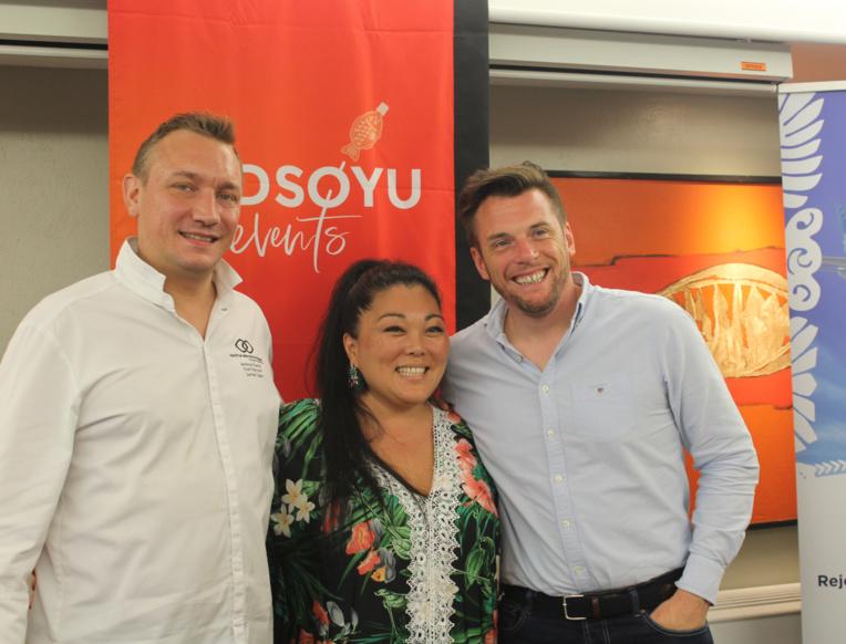 Le chef Jeremy Martin, du Tahiti Ia Ora Beach Resort, Amandine de l'agence REDSOYU et Norbert Tarayre.