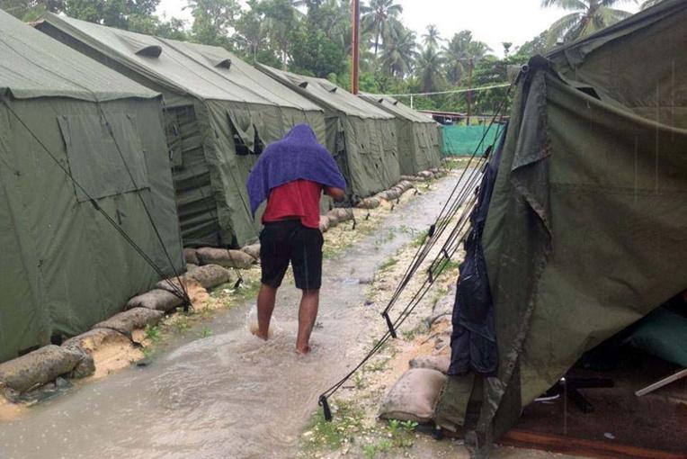 Tension croissante parmi les réfugiés parqués sur l'île de Manus