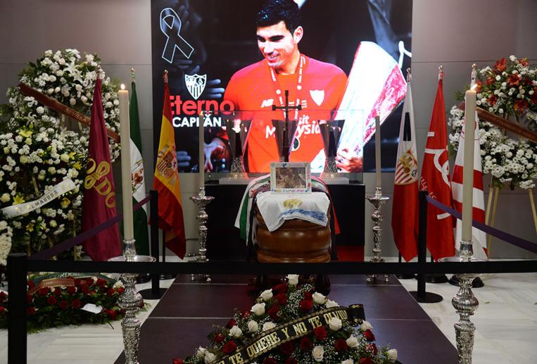 Espagne: funérailles du footballeur Reyes, victime d'un accident polémique