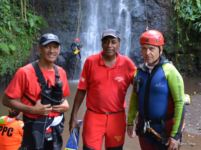 Gaston Tunoa, Sam Roscol et Jean-François Fiorin