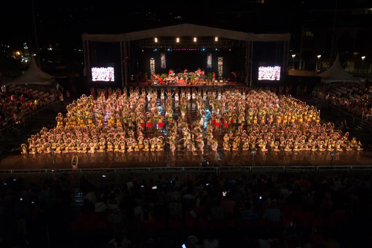 Le spectacle se terminera par un himene chanté par 700 élèves.