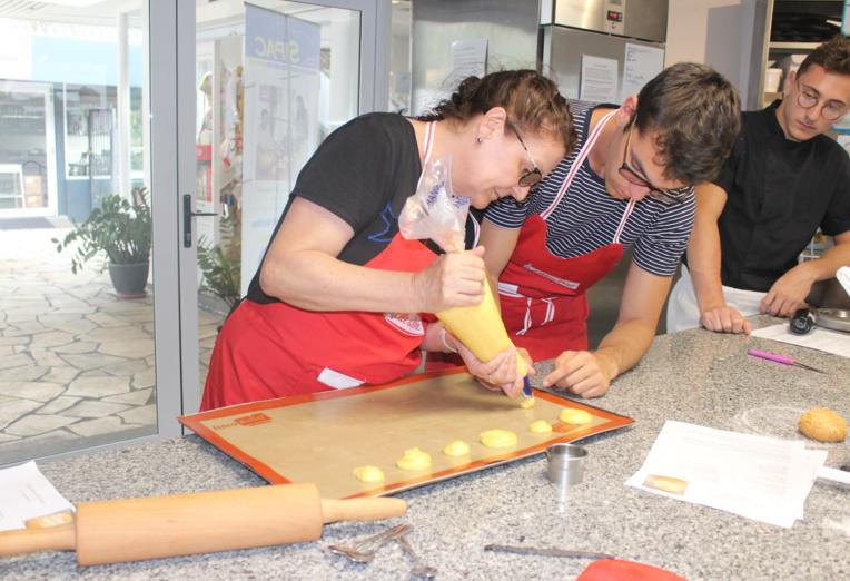 """Maheata en masterclass avec les candidats du """" Meilleur Pâtissier """""""