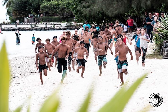 """La catégorie """"kids"""" se développe de plus en plus sur le Waterman Tahiti Tour © Jérôme Brouillet"""