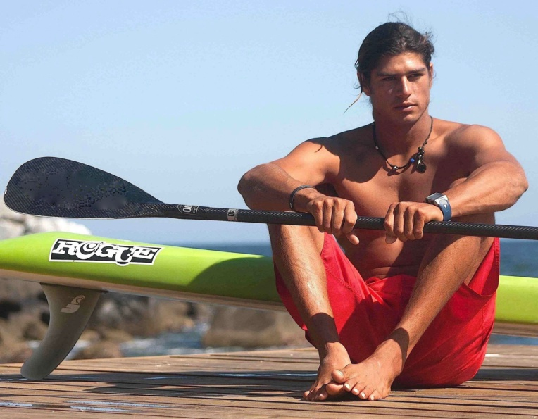 Fernando Stalla, mannequin et sup paddler professionnel méxicain