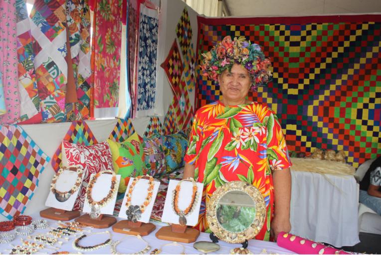 Paari Celina participe depuis 2006 au Heiva Rima'i pour vendre ses produits artisanaux.