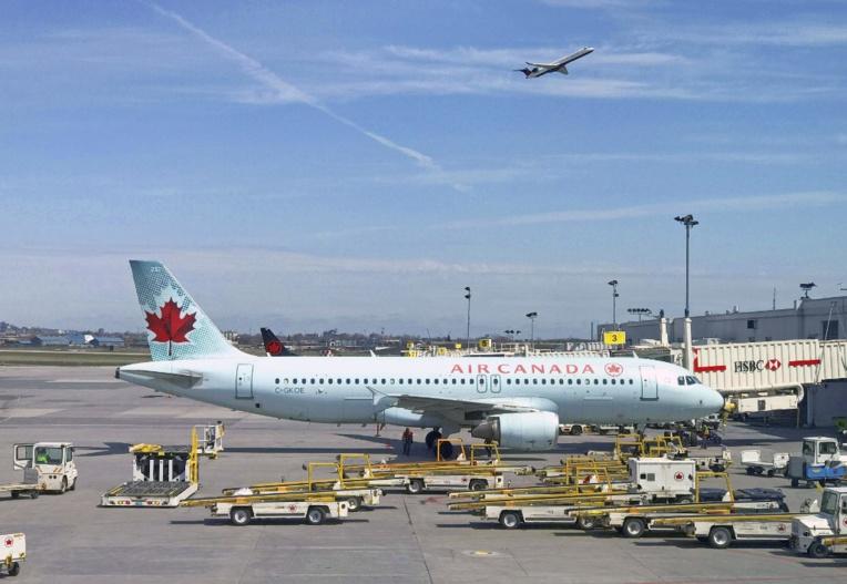 Une passagère d'Air Canada s'endort et se réveille abandonnée dans l'avion