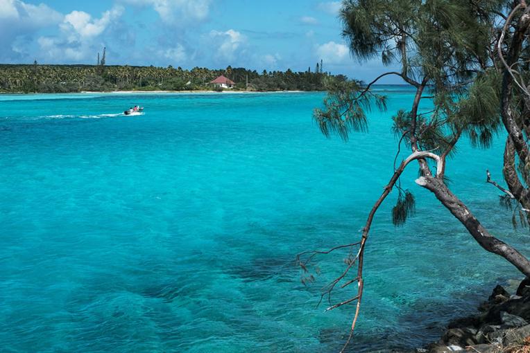 Un bateau de touristes attaqué à Ouvéa en Nouvelle-Calédonie