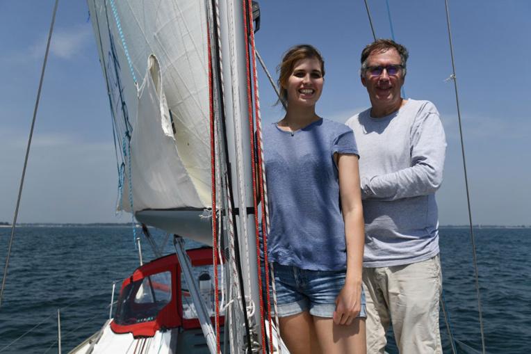 Les Dumard, père et fille, tentent le passage du Nord-Ouest à la voile