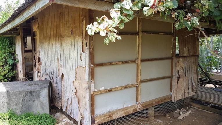 La cabane dans laquelle a été retrouvé le corps de la victime le 29 octobre 2017 sur le terrain de sa famille à Toahotu.