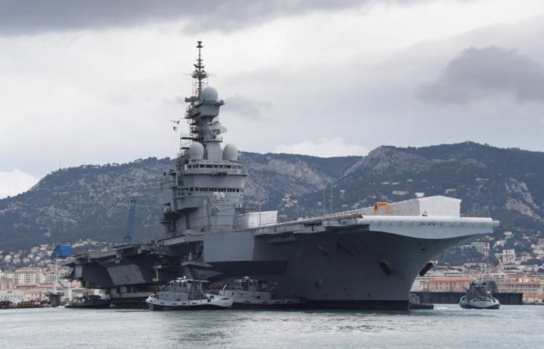 Le porte-avions français de retour d'une mission en Asie-Pacifique