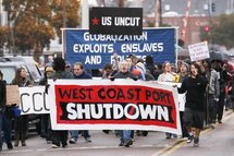 "USA/Canada: Les ""indignés"" tentent de bloquer les ports du Pacifique"