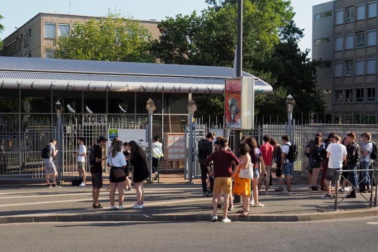 Essonne: un proviseur de lycée agressé, deux élèves en garde à vue