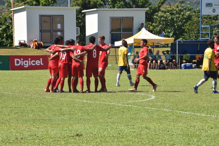 Les footballeurs tahitiens enchaînent une deuxième victoire aux Jeux du Pacifique. Après leur victoire facile 7-0 face à Tuvalu mercredi.