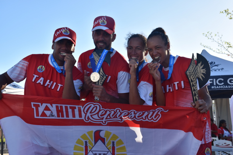 (de gauche à droite)Terau Ena, Jérémie Paraue, Emere Maau et Vaihere Fareura..
