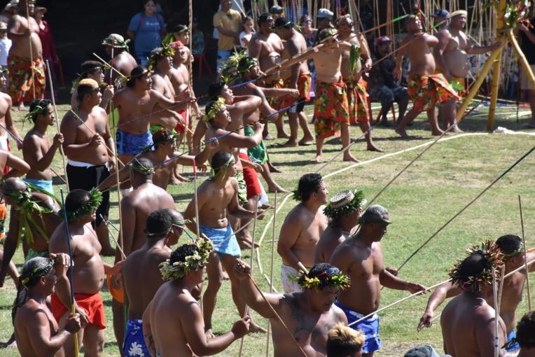 Au concours de lancer de javelots (Patia fa), 76 concurrents se sont affrontés, dont quatre lanceurs de la délégation hawaiienne.