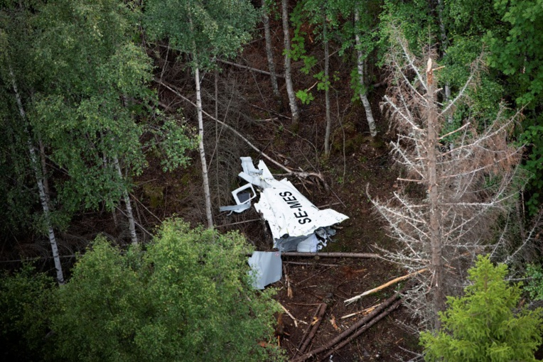 Neuf morts dans la chute d'un petit avion en Suède