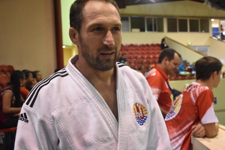Cyril Gaudemer médaillé d'or en open dans la catégorie des plus de 73 kg.