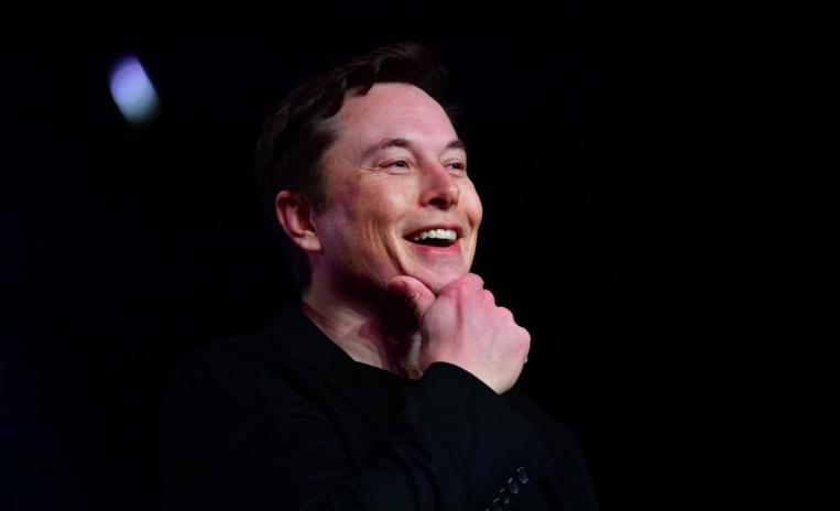 Le cerveau connecté de Neuralink testé dès l'an prochain, selon Musk