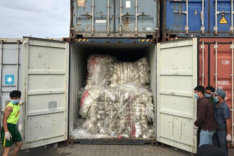 """Le Cambodge ne veut plus être la """"poubelle"""" des Etats-Unis et du Canada"""