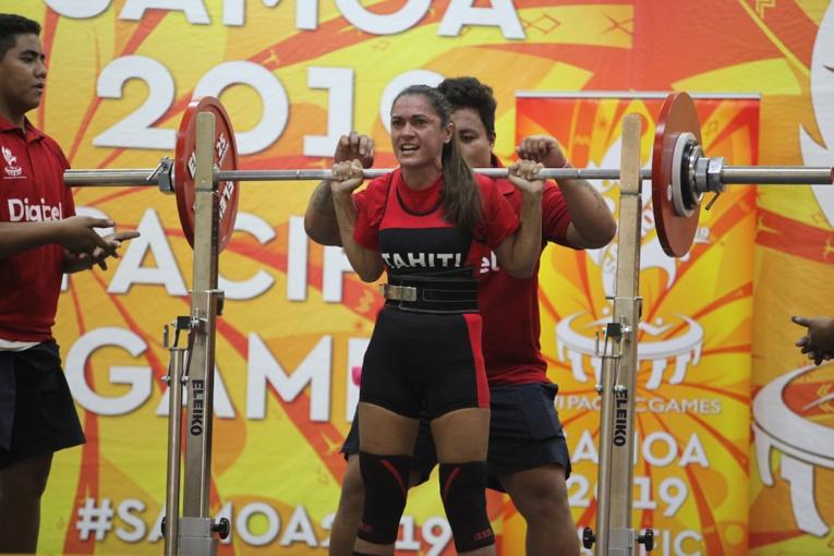 Sandra Pratz remporte l'argent dans la catégorie des moins de 57 kg.
