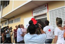 Le 15 décembre 2010, ouverture de la première épicerie sociale à Papeete