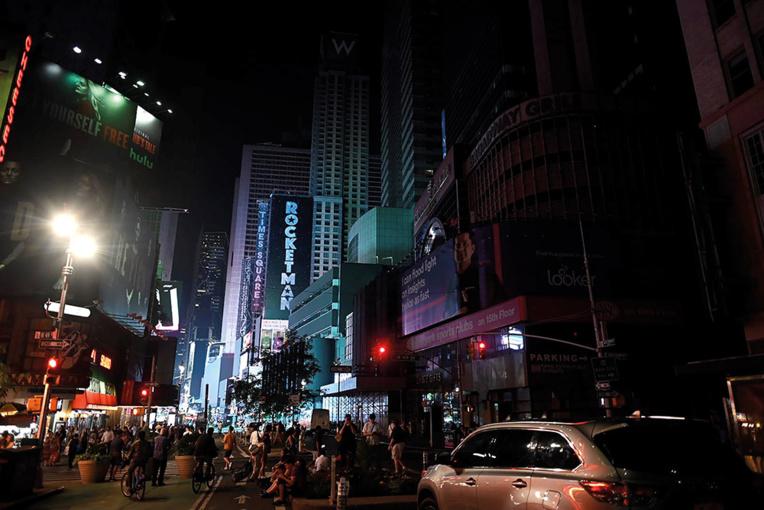 La colère monte après de nouvelles coupures d'électricité à New York