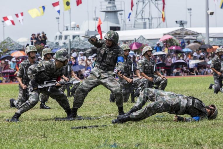 """Pékin veut une armée de pointe, accuse Washington de """"saper"""" la stabilité"""