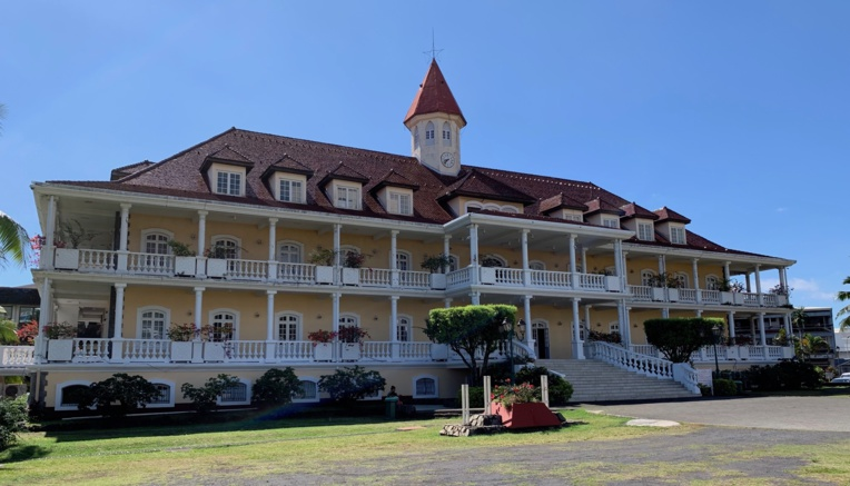 La municipalité de Papeete a déjà commencé à effacer petit à petit son ardoise.