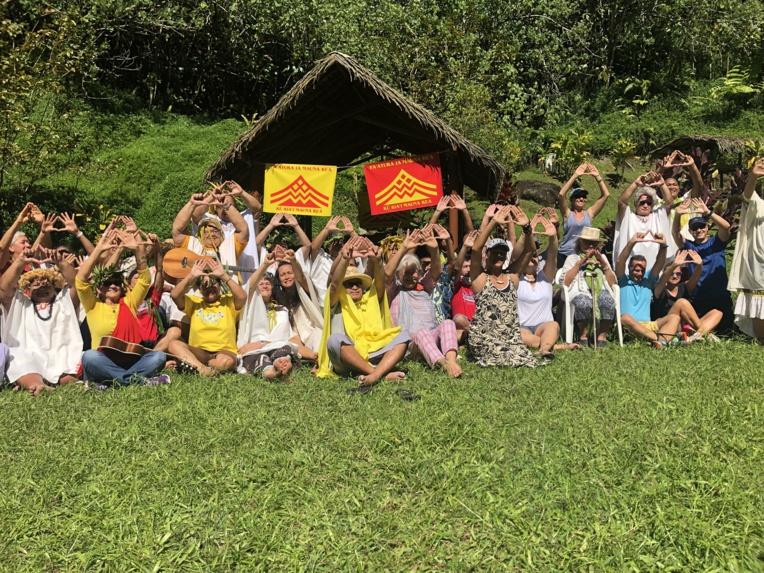 """""""Fa'atura ia Mauna Kea"""": les Tahitiens se connectent au combat des Hawaiiens"""