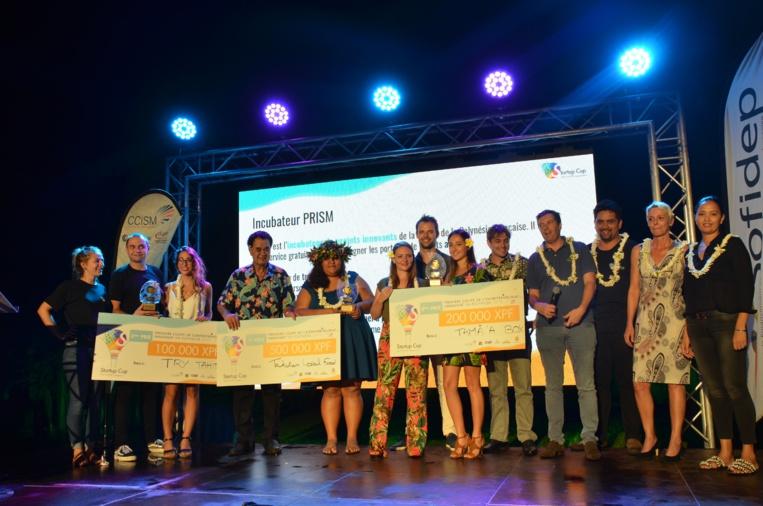 La remise des prix de la StartupCup a eu lieu dans les jardins de l'assemblée.