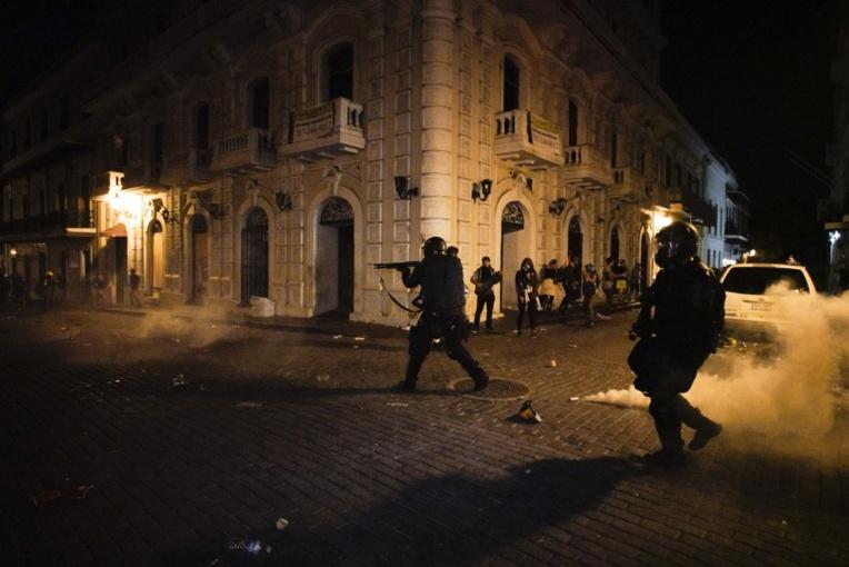 """Le Défenseur des droits recommande une """"reflexion approfondie"""" sur les grenades de désencerclement"""
