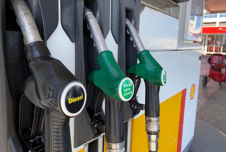 Le Pays s'explique sur la hausse de l'essence