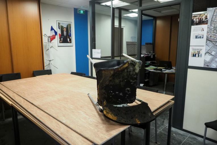 Dégradations des permanences de députés LREM: vigilance et condamnation unanime