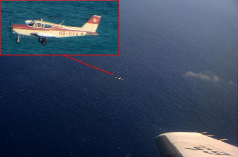 Après avoir retrouvé l'aéronef, l'équipage l'a accompagné sur une centaine de kilomètres jusqu'à son atterrissage à Tahiti, en toute sécurité. Crédit ministère des Armées.