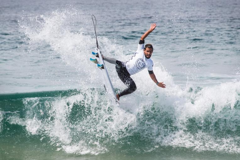 Les petites vagues d'Huntington beach n'ont pas réussi à nos Tahitiens (ici Thomas Hermès)