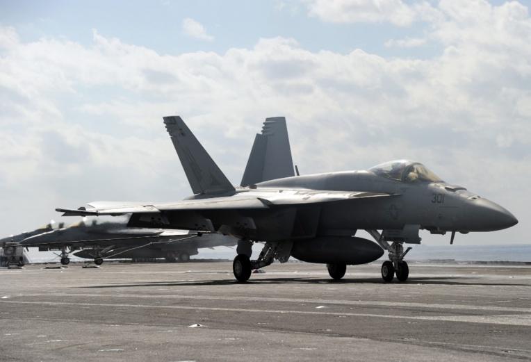 Sept Français blessés dans l'accident d'un avion de chasse en Californie